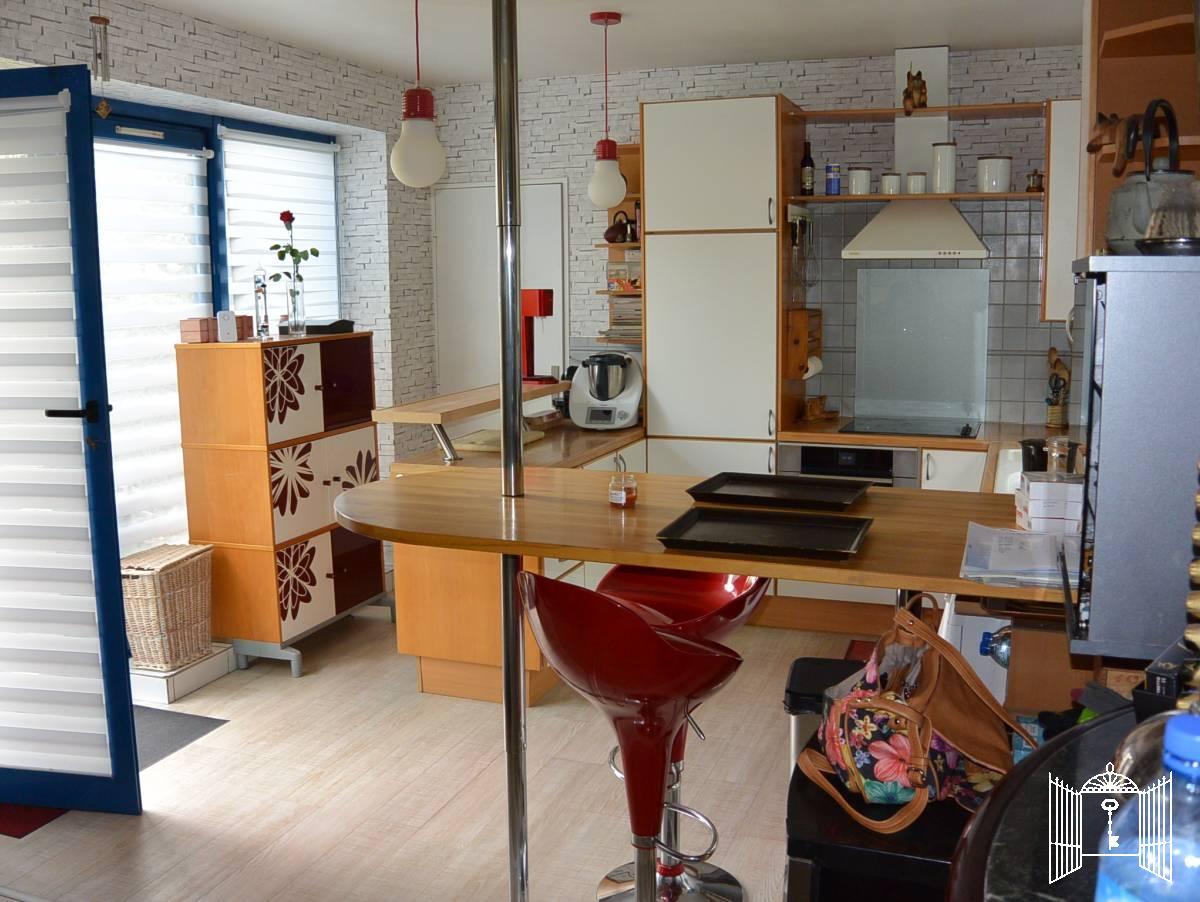 maison propri t maison loft saint prix demeures et propri t s de la vall e. Black Bedroom Furniture Sets. Home Design Ideas